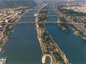 danubio1 300x225 La inmensidad del Danubio lugares y edificios que visitar general