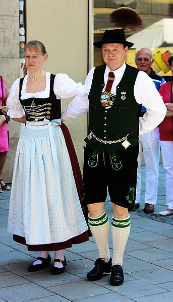 oktoberfest traditional clothing