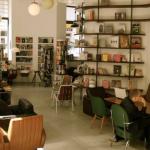 Phil, café y libros en el distrito 6